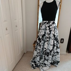 "Aidan Mattox ""Gorgeous"" Formal Halter Gown, Size 6"